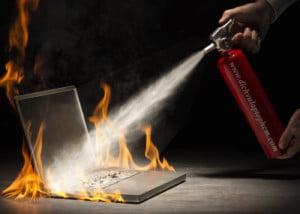 Laptop Nóng Bất Thường, Chạy Chậm, Tắt Nguồn Phải Làm Sao?