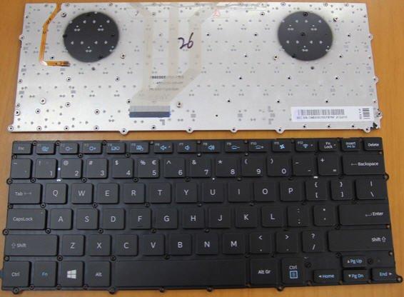 Ban-Phim-Laptop-Samsung-NP900X3B-co-den-khong-khung