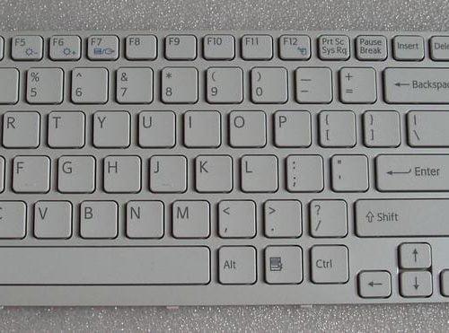 Ban-Phim-Laptop-Sony-Ca-Mau-Trang