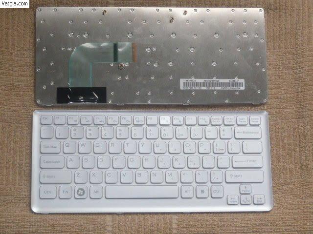 Ban-Phim-Laptop-Sony-Cs-Mau-Trang